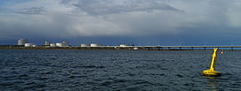Port Bonython jetty and Santos refinery 2011 by Dan Monceaux.jpg