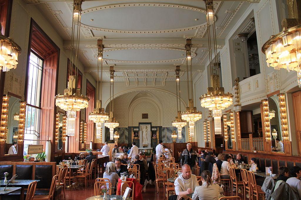 Café de la Maison municipale de Prague - Photo de Øyvind Holmstad