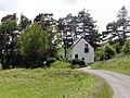 Pretty house on B871 - geograph.org.uk - 490746.jpg