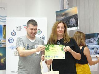 Маја прима Похвалу на такмичењу Вики воли Земљу 2016