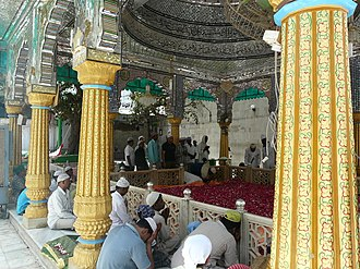Qutbuddin Bakhtiar Kaki - Qutbuddin Bakhtiyar Kaki's dargah