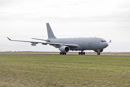 RAAF (A39-005) Airbus KC-30A (A330-203MRTT) taxiing after a display at the 2015 Australian International Airshow