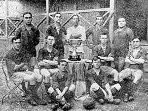 Rosario Central - Rosario Central in 1915, after winning the Copa Ibarguren.