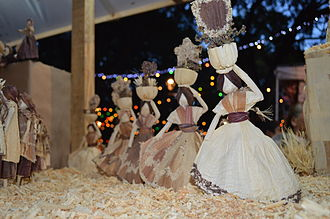 Night of the Radishes - Corn husk figures from Oaxaca y sus regiones