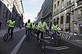 Recorrido bicicleta y concentración protesta caso Chevron en Madrid (11439368396).jpg