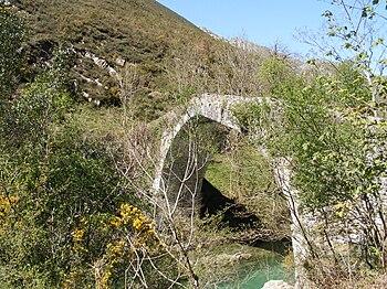 Puente Rio Dobra