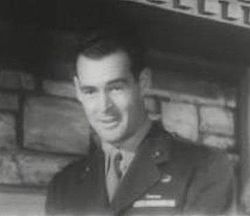 Robert Ryan in Marine Raiders.JPG