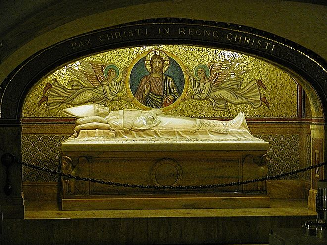 The tomb of Pope Pius XI in the Vatican grottos Rom 58 (RaBoe).jpg