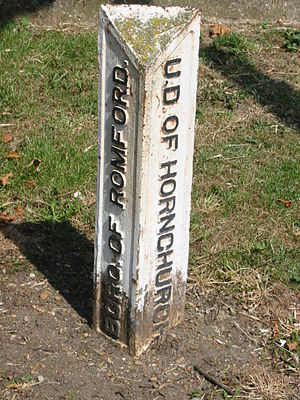 Municipal Borough of Romford - Image: Romford hornchurch boundary marker