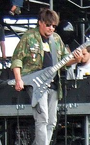Ron Asheton (2008).jpg