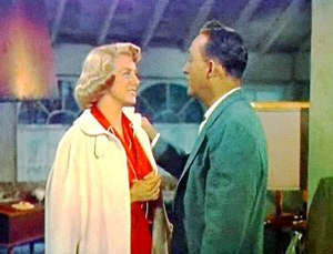 Cropped screenshot of Rosemary Clooney and Bin...