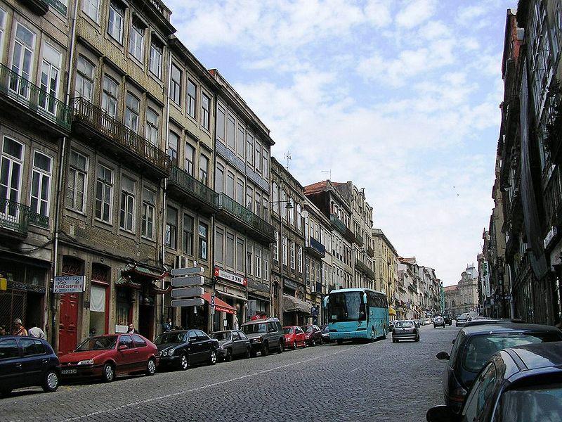 Imagem:Rua Mouzinho Silveira 2 (Porto).JPG