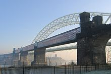 Runcorn Railway Bridge.jpg