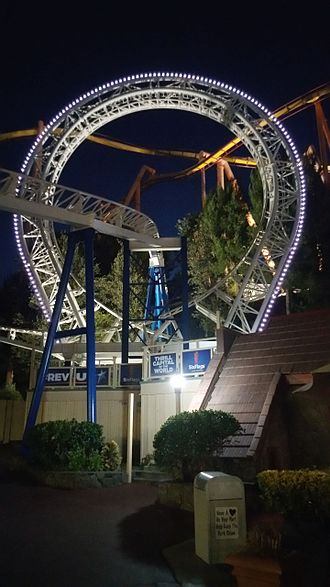 The New Revolution (roller coaster) - Loop at night