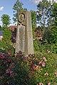 Sandesneben kirchhof 02.jpg