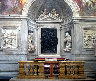 Santa Maria della Pace - Cappella Chigi, Christ supported by Angels, bronze by Cosimo Fancelli, flanked by Saint Catherine (by Fancelli) and Saint Bernardino (by Ercole Ferrata).