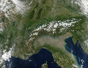Mountain chain - In this satellite image of the Alps, the snow limit picks out the individual mountain chains