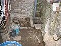 Scheune, Bruchstein - Fundament teil-freigelegt, seitlich, 03. 07. 2011 - panoramio.jpg