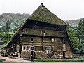 Schwarzwaelder Bauernhaus um 1900.jpg