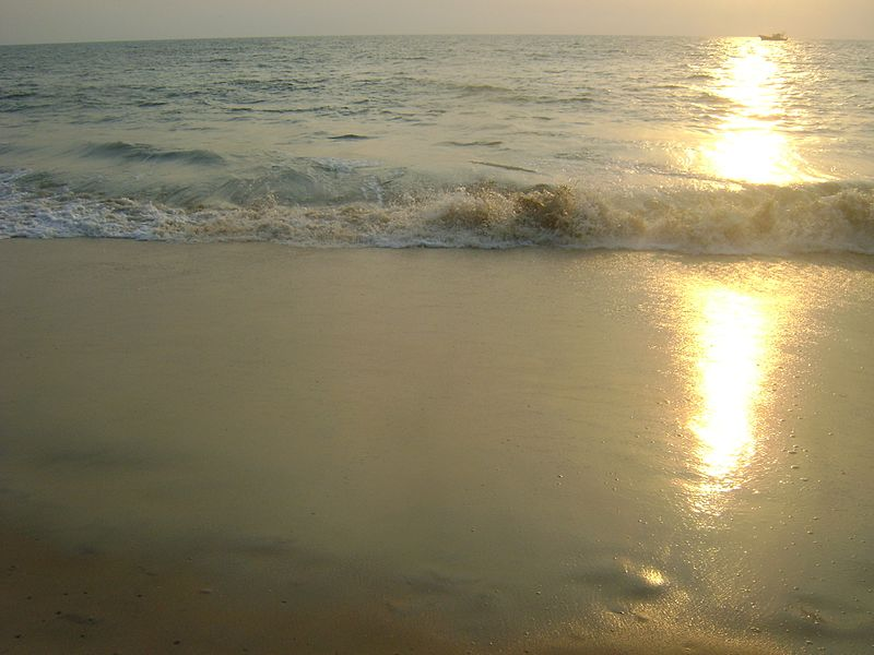 File:Sea shore kerala.jpg