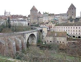 le pont Joly enjambant l'Armançon