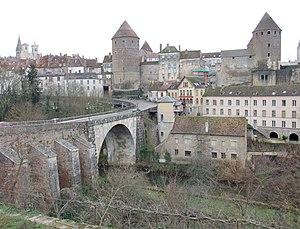 Semur-en-Auxois - Image: Semur Pont Joly 03
