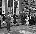 Serie Bezoek van koningin Juliana en prins Bernhard aan Friesland. Toneelspel , Bestanddeelnr 904-2117.jpg