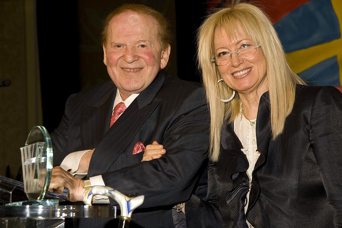 Archivo:Sheldon y Miriam Adelson reciben Woodrow Wilson Awards.JPG -  Wikipedia, la enciclopedia libre