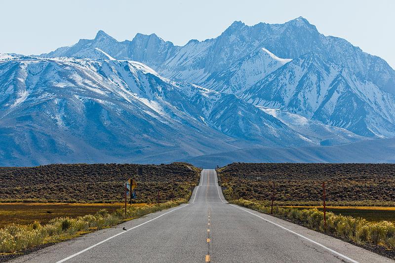 File:Sherwin Range, Benton Crossing.jpg