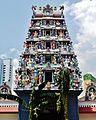Singapore Tempel Sri Mariammam Gopuram 2.jpg