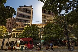Gallivan Plaza (UTA station) - Gallivan Plaza Station looking west at American Towers.
