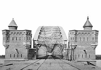 Nijmegen railway bridge - The medieval style abutment towers.