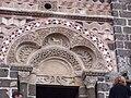 St Michel d'Aiguilhe portail détail.jpg