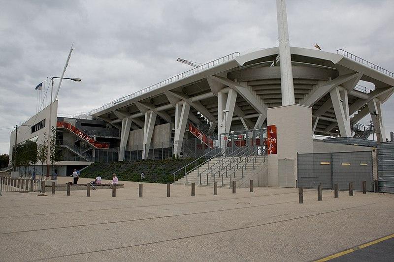 Stades vus de l'extérieur - Page 5 800px-Stade_Auguste-Delaune_Reims