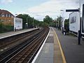 Staines station look east2.JPG