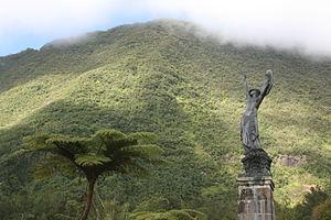 L'Âme de la France - Image: Statue Victoire Hell Bourg 1