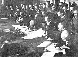 Treaty of Bucharest (1918) - Image: Stephan Burián von Rajecz signing the Treaty of Bucharest