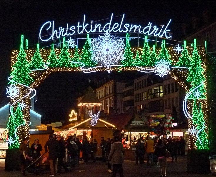 File:Strasbourg, Christkindelsmärik (11201408973).jpg