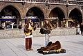 Strassenmusiker München Marienplatz 1979.jpg