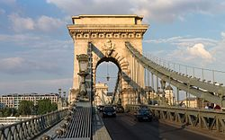 Széchenyi Chain Bridge, June 2013.jpg