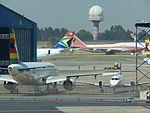 TAAG Angola 747-300 D7-TEA at JNB (26270161721).jpg