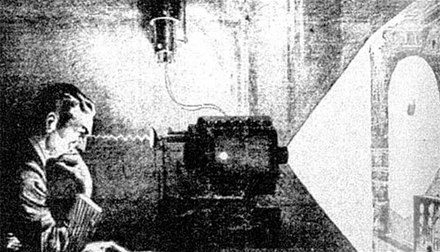 Newspaper representation of the thought camera Tesla described at his 1933 birthday party Teslathoughtcamera.jpeg