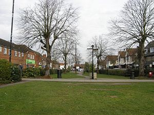 Thatcham - Image: The Broadway, Thatcham geograph.org.uk 725456