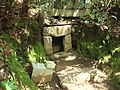The Entrance (羨門) of Grave Cave No. 3 in Todoroki Valley (等々力渓谷3号横穴) - panoramio.jpg