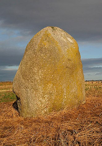 Lochmaben Stone - The Lochmaben Stone from the south.