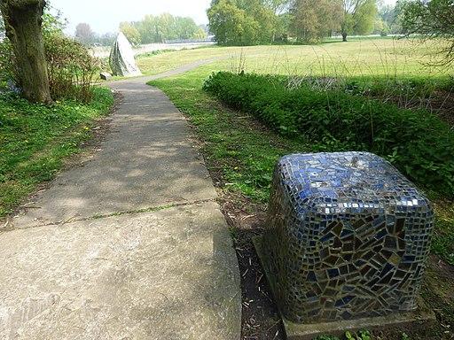 The Washlands - Burton upon Trent - Watching the Washlands sculpture (26941095756)