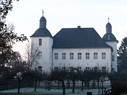 Die barocke Wasserburg Haus Neersdonk im Norden von Vorst