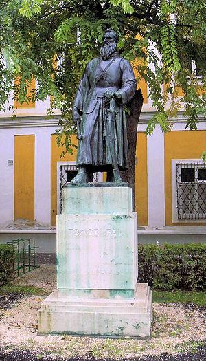 Pál Tomori - Tomori's romantic statue in Kalocsa