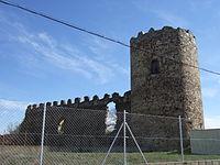 Torre del castillo de Palacios de la Valduerna.jpg