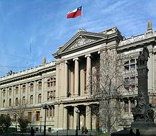 Edificio del Palacio de Tribunales de Santiago.